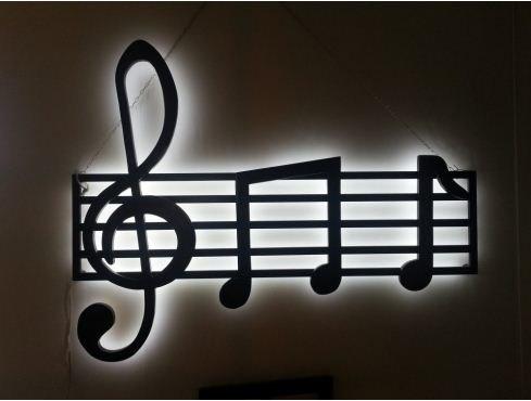 Lampada a forma di chiave di violino