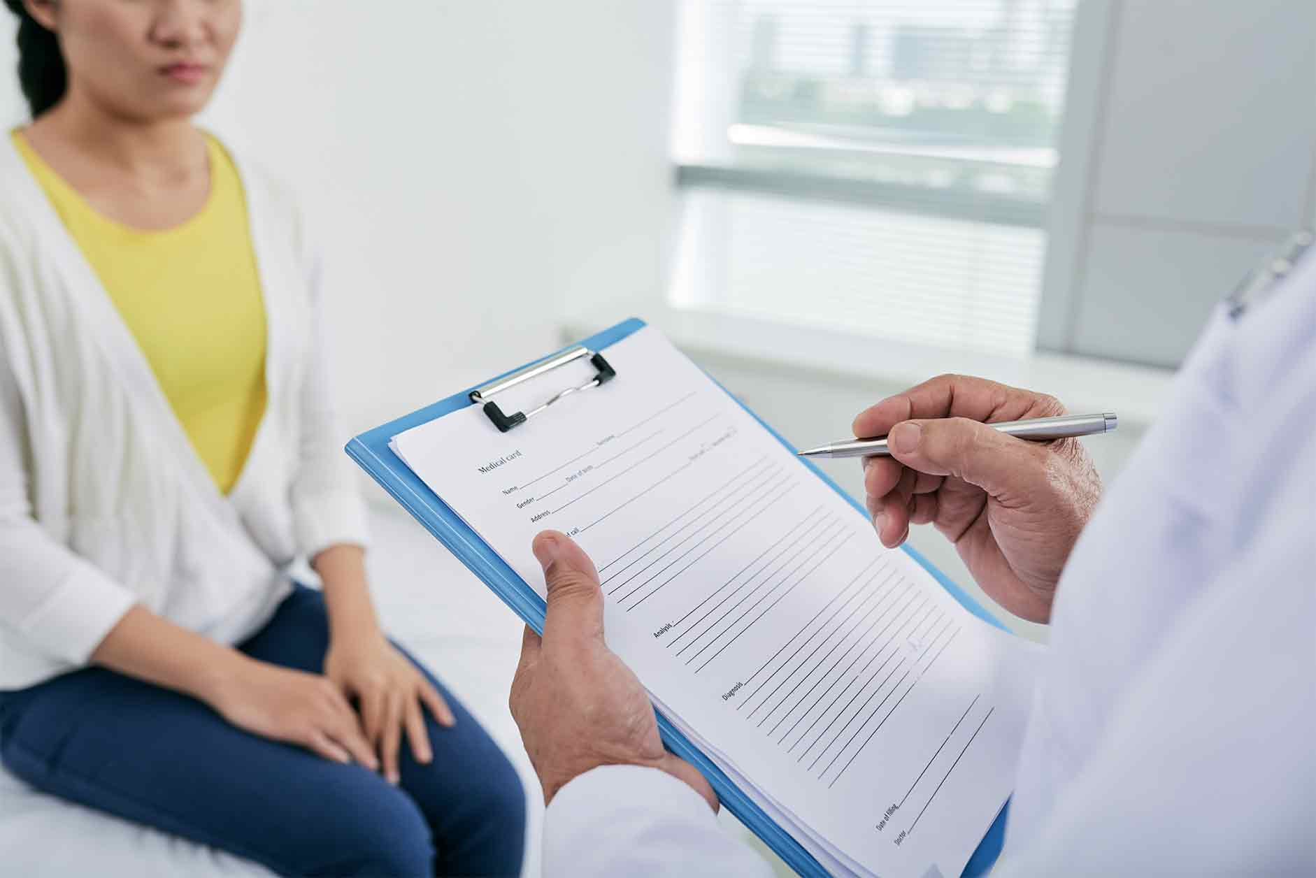Patient meeting with a gynaecologist in Canberra