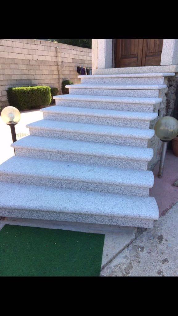 scala esterna in granito sardo