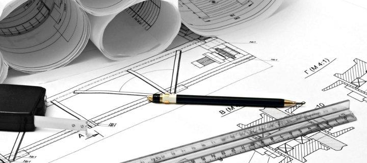 disegno di un progetto con una matita e un righello