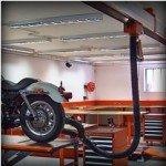 vista di un motociclitta sull'impianto