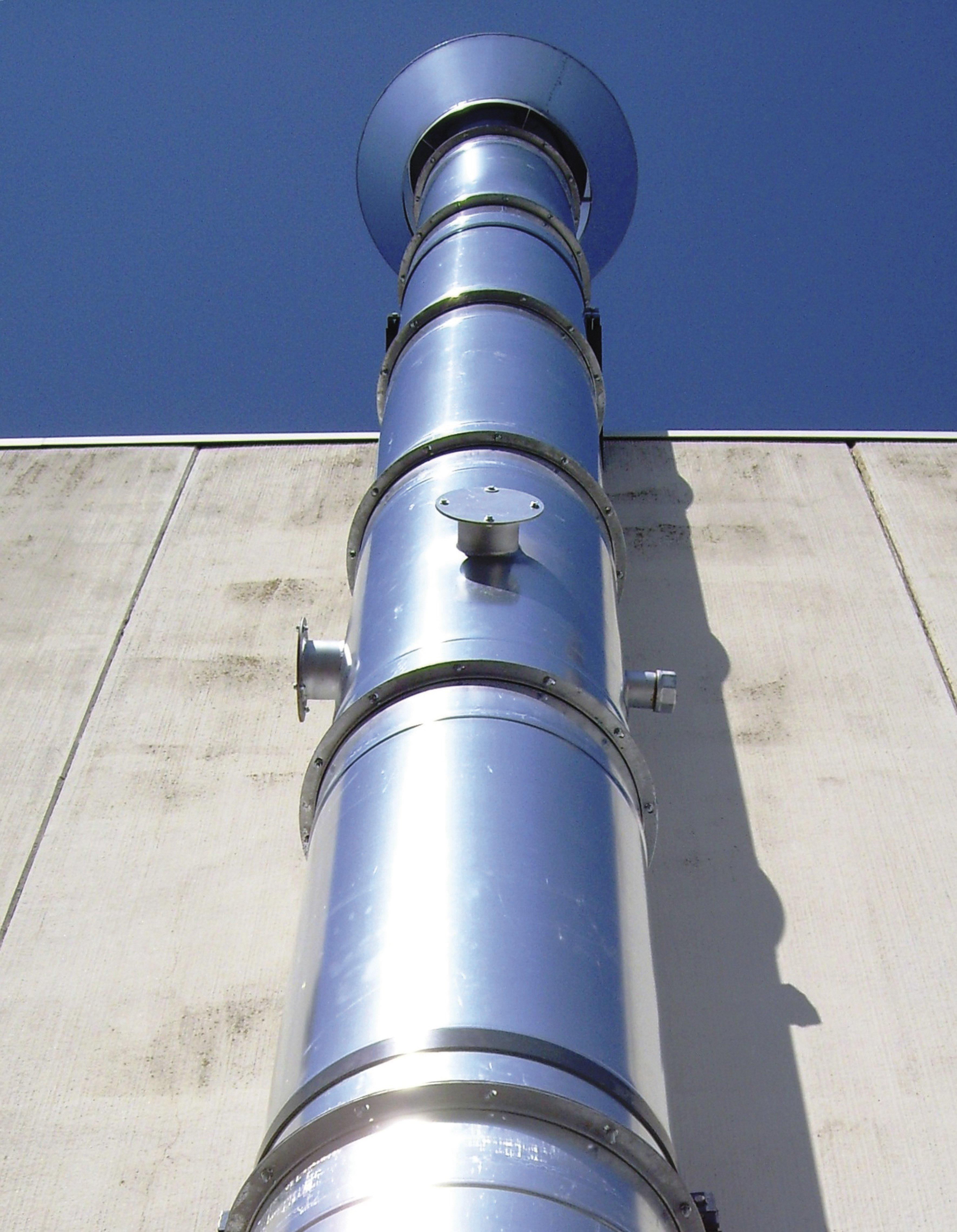 vista dal basso di un tubo