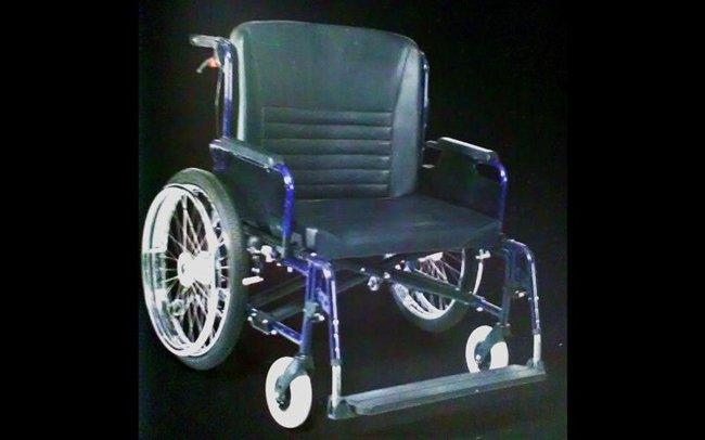 carrozzella nera-officina del disabile-Torino