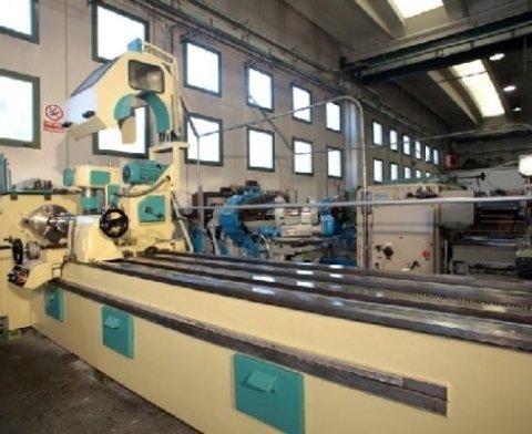 Macchina per la produzione di riduttori meccanici