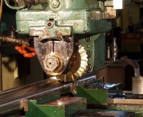 Impresa che si occupa di produzione di ingranaggi