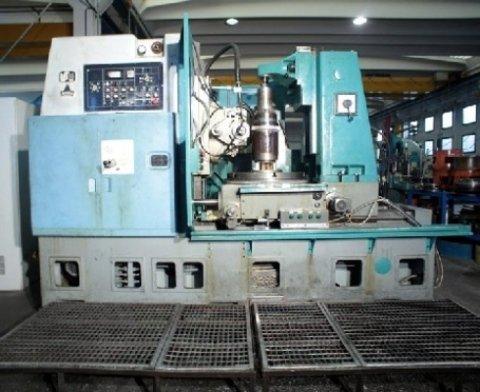 Officina: uno dei macchinari