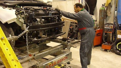 riparazione di una vettura