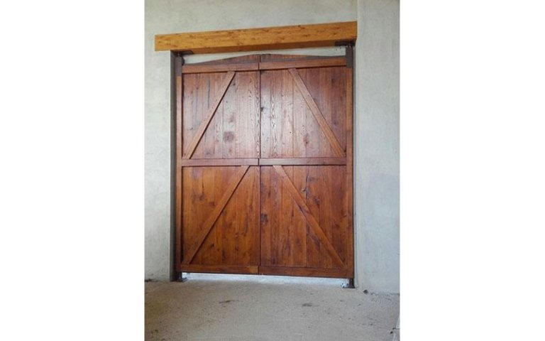 riproduzione portone antico in legno falegnameria Volvera