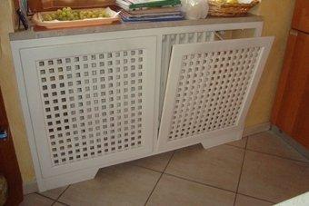 mobili in legno termosifoni