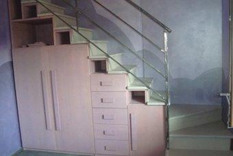 scale in legno lavorate artigianalmente