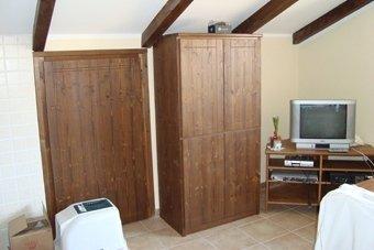 armadi in legno artigianali