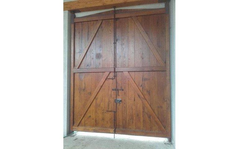 riproduzione portone antico con serratura falegnameria Volvera