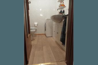 pavimenti in legno bagno