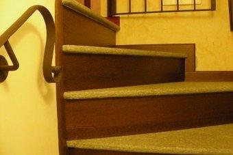 scale in legno artigianale