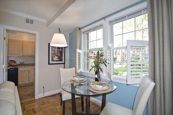 Bright Beautiful 1 Bedroom Del Ray Apartment for Rent in Alexandria, VA!