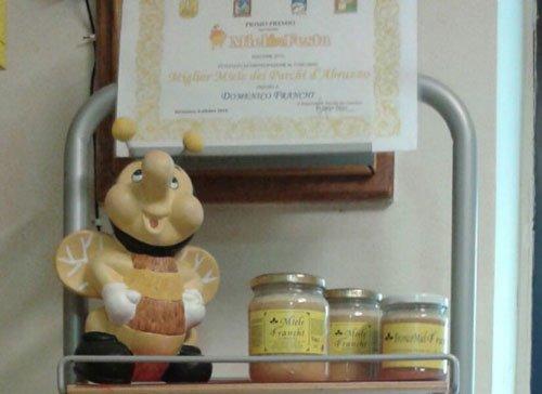 Tre barattoli di miele