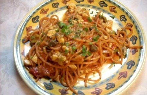 spaghetti piccanti di pasta fresca alla bagnarota