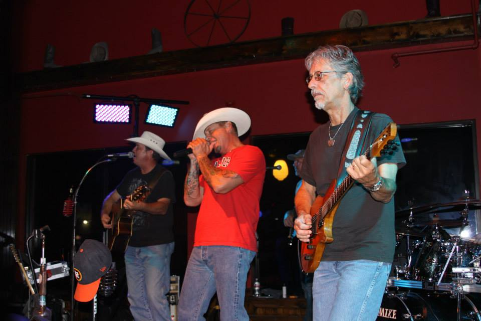 Live Entertainment & Live Music in Katy, TX | The Lone Star Saloon