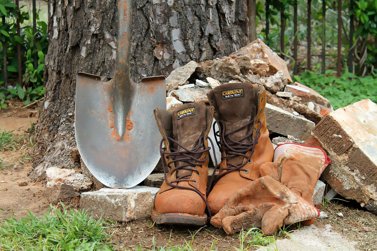comfortable work boots for outdoor working