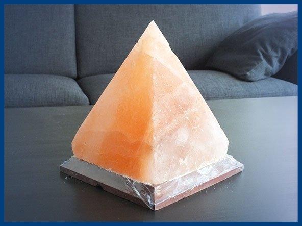Lampada di sale a piramide