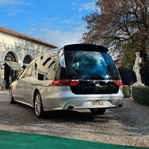 Jaguar Carro funebre Mitola