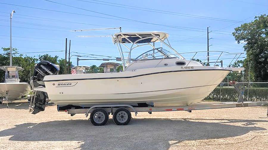 23' Boston Whaler 235 Conquest Walkaround