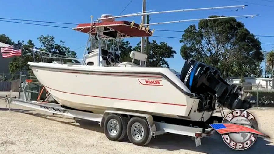 26' Boston Whaler 260 Outrage Center Console