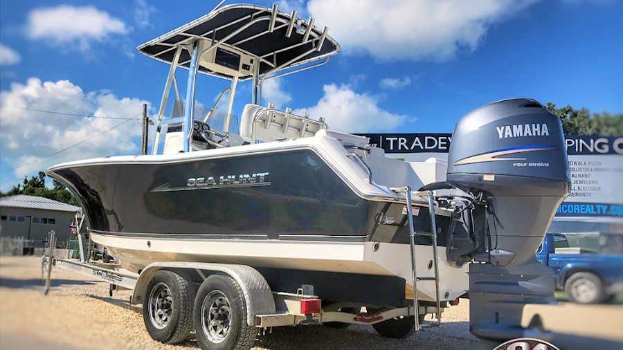 22' Sea Hunt 225 Triton Center Console 2012