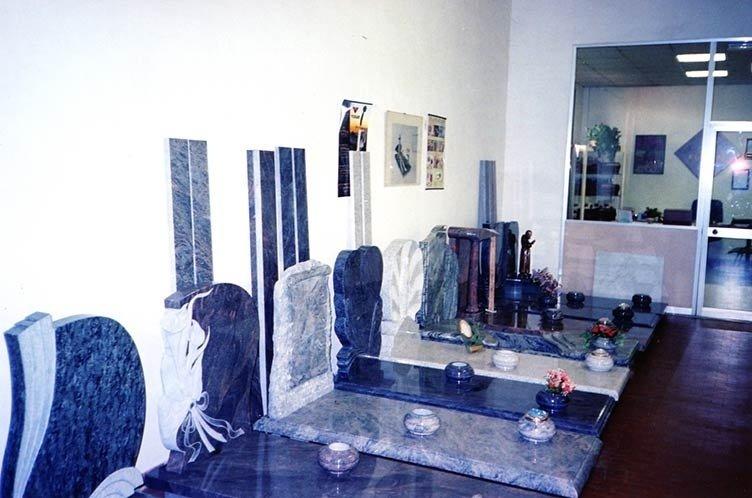 lapidi funebri in marmo
