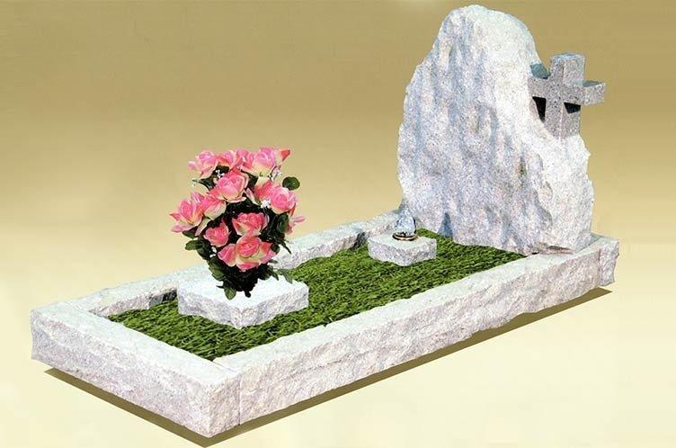 lapidi funerarie