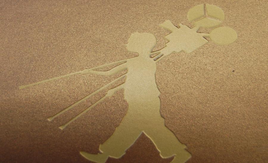 CARTA E CARTONE Stampa serigrafica uv lucido su cartoncino perlescente marrone