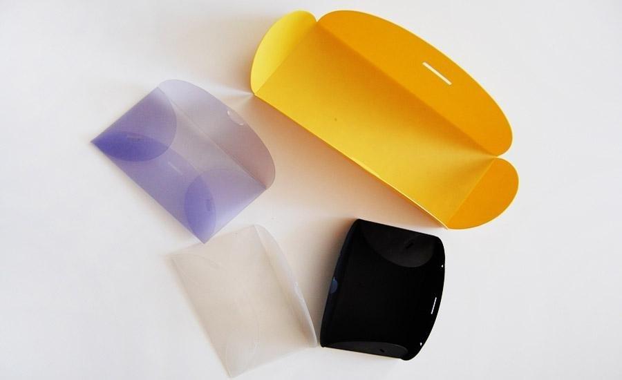 FUSTELLATURA Stampa e fustellatura su polipropilene colorato in svariati spessori