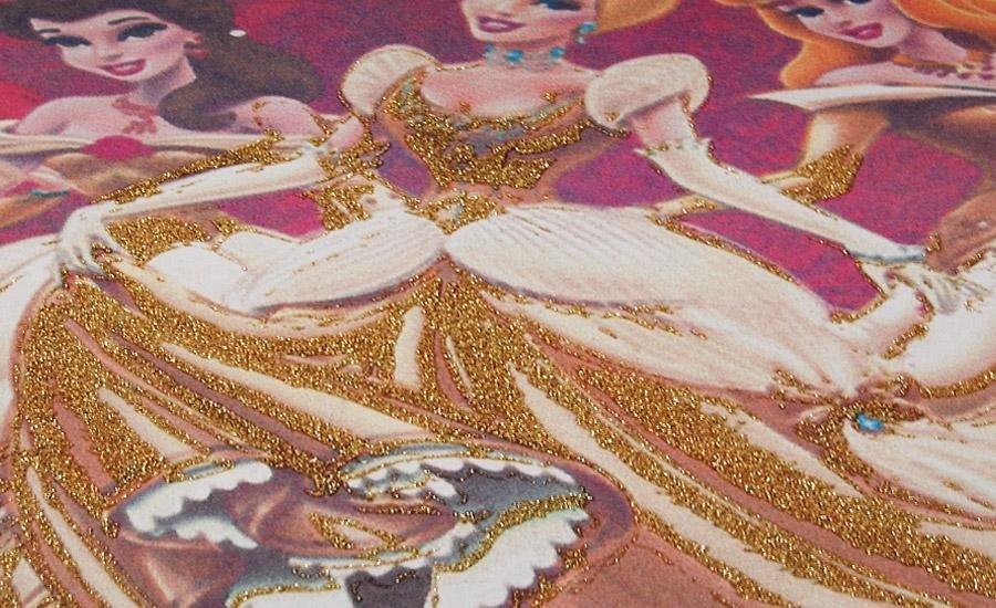 SERIGRAFIA U.V. Verniciatura UV lucido serigrafico con glitter oro su cartoncino