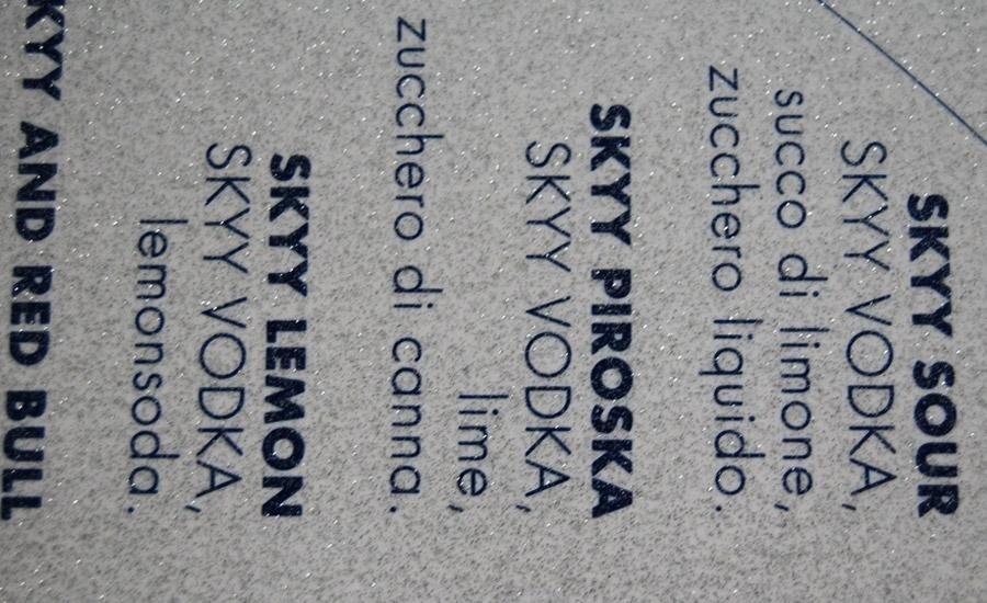 Serigrafia a pigmenti metallici Stampa serigrafica argento su cartoncino bianco