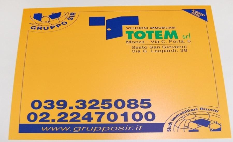 PLASTICHE Stampa serigrafica a 2 colori su forex giallo