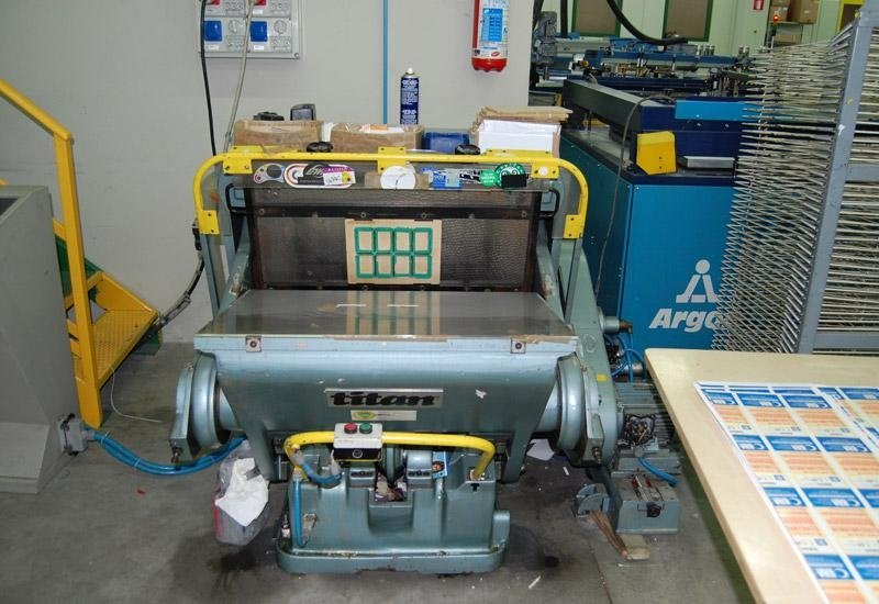 1 forno per asciugatura combinata uv- aria calda/fredda luce 120 cm