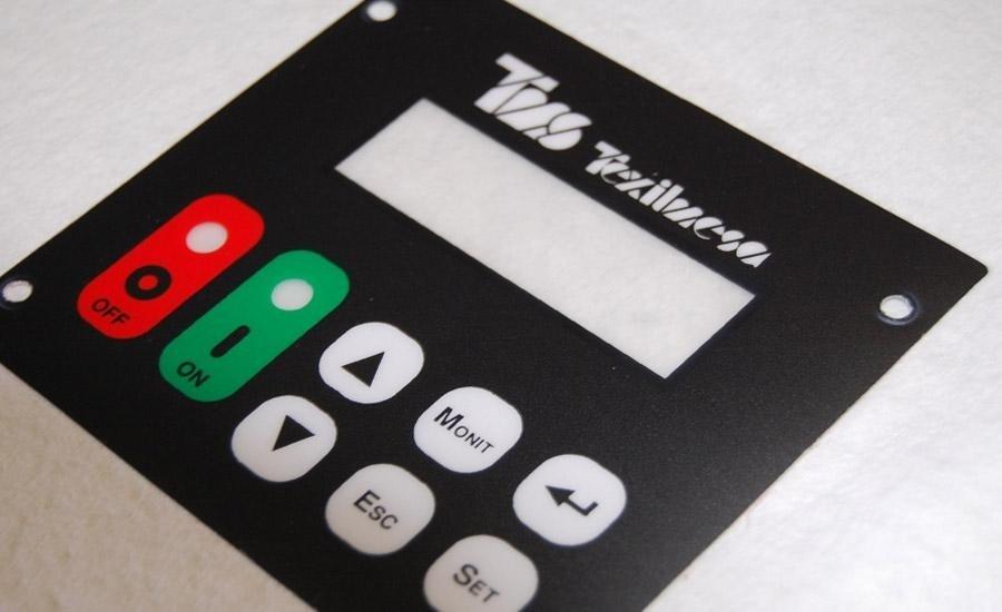 TASTIERE Policarbonato satinato opaco stampato a 4 colori + trasparente lucido adesivizzato e fustellato