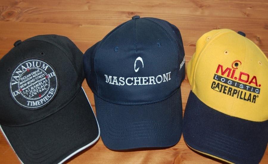 RICAMI Ricamo monocolore e multicolore su cappellini