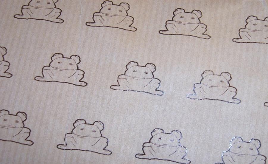 CARTA E CARTONE Stampa serigrafica monocolore su carta da pacchi