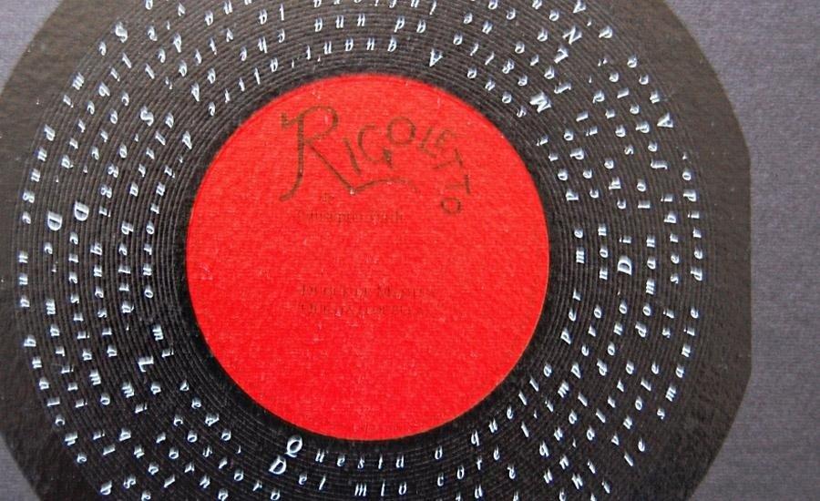 CARTA E CARTONE Stampa serigrafica multicolore + uv lucido serigrafico su cartoncino nero