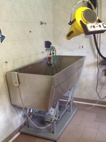 una vasca in acciaio