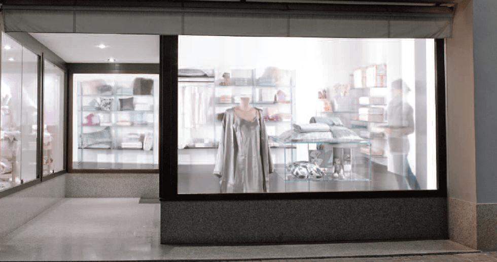 arredamenti per negozio d'abbigliamento