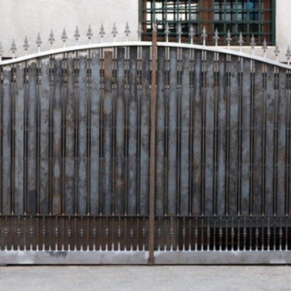 Cancello in ferro ad Ottaviano-parisi infissi