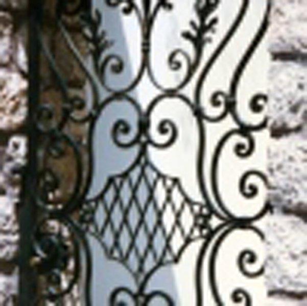 Ringhiere in ferro ad Ottaviano-parisi infissi