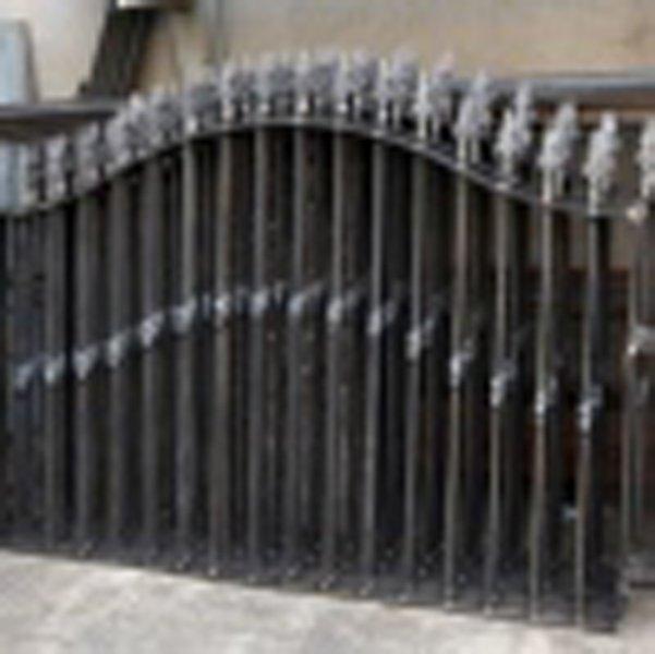 Recinzioni in ferro battuto di qualità a San Gennarello-parisi infissi