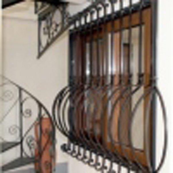 Inferriate e grate di sicurezza per finestre e porte a San Gennarello Di Ottaviano-parisi infissi
