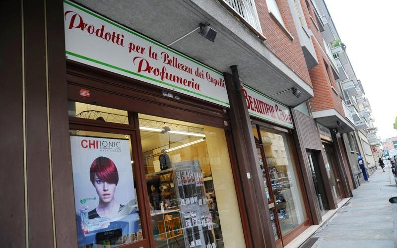 negozio parrucchieri