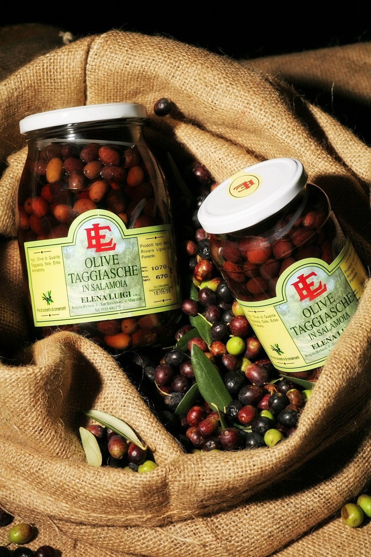 olive in salamoia, olive snocciolate, pomodori secchi sott'olio