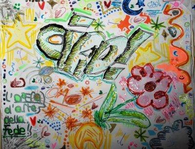 un disegno a colori con scritto Ciao!