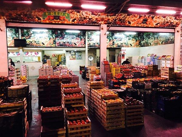 pallet di frutta e verdura